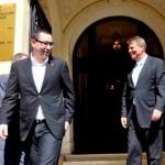 Profesorii nu primesc nici un ban, primesc cu 70% mai mult salariatii lui Iohannis si ai lui Ponta